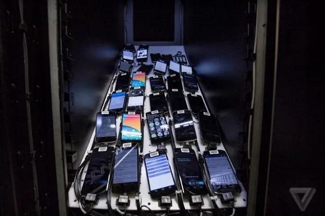Bên trong căn phòng bí mật chứa 2.000 smartphone thử nghiệm ứng dụng của Facebook - Ảnh 3.