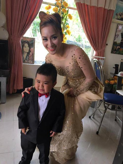 Lộ clip đám cưới bí mật long trọng của MC Thanh Bạch và nữ đại gia - Ảnh 7.