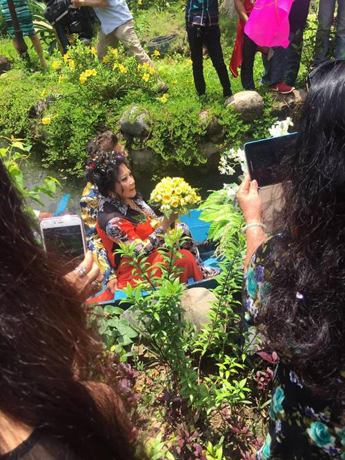 Lộ clip đám cưới bí mật long trọng của MC Thanh Bạch và nữ đại gia - Ảnh 3.