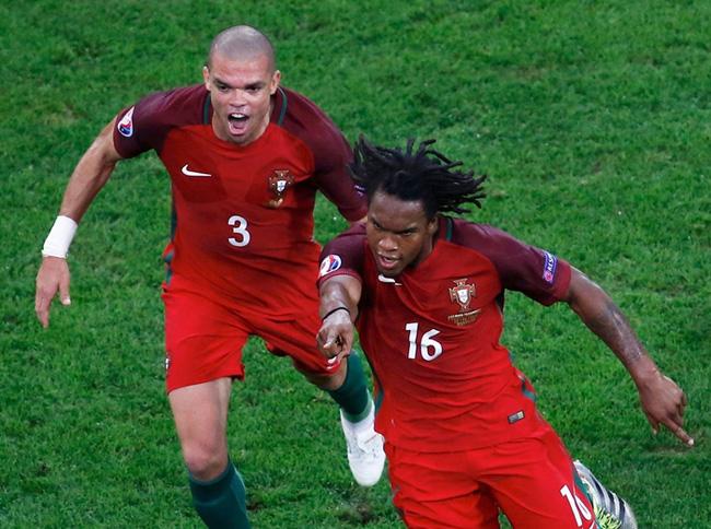 Sao trẻ làm lu mờ Ronaldo ở Euro 2016 bị nghi gian lận tuổi - Ảnh 1.
