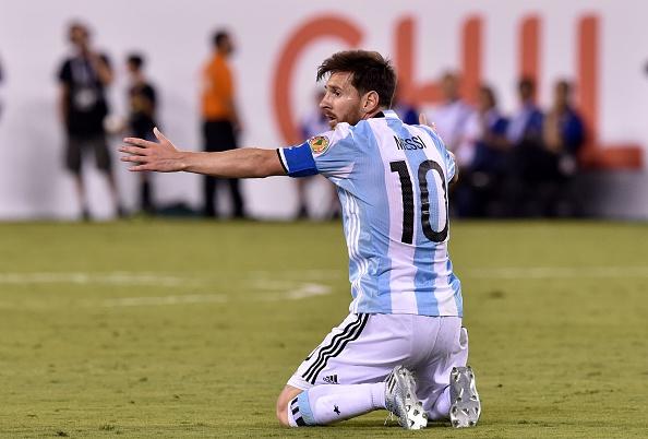 Messi lộ ảnh sát phạt ở sòng bạc sau khi bị tuyên án tù 21 tháng - Ảnh 4.