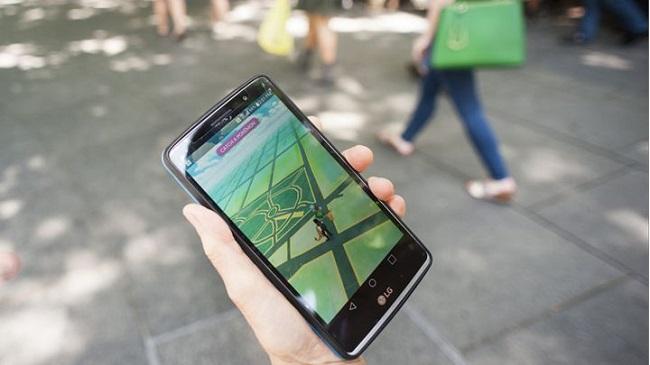 Mải tìm Pokémon, tài xế 28 tuổi đã phi thẳng ô tô vào gốc cây ven đường - Ảnh 3.