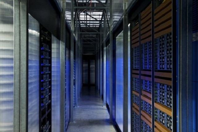 Bên trong căn phòng bí mật chứa 2.000 smartphone thử nghiệm ứng dụng của Facebook - Ảnh 1.