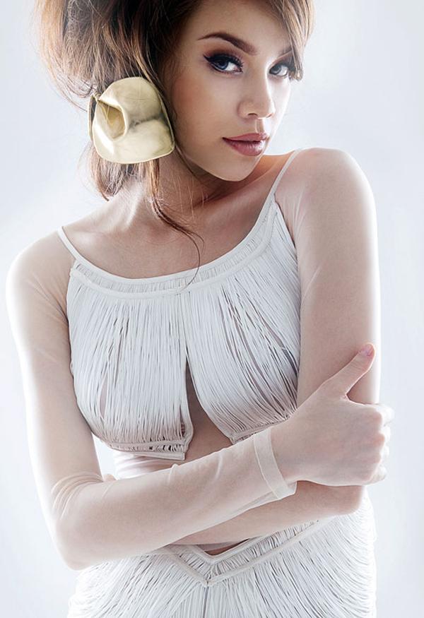 Đào lại những bộ ảnh thời trang thuở chân quê của 3 Giám khảo The Face Việt - Ảnh 12.