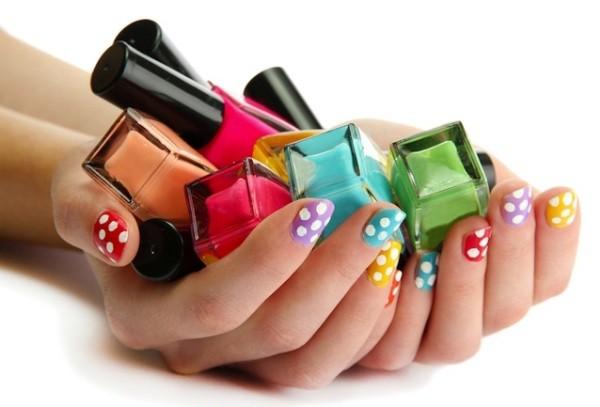 Phụ nữ nghiện sơn móng tay nhanh béo phì, dễ ung thư - Ảnh 2.