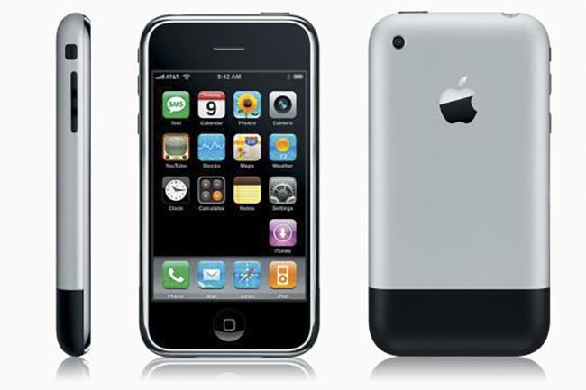 Ngắm mẫu thiết kế xấu không nuốt nổi và những hạn chế của chiếc iPhone đầu tiên - Ảnh 1.