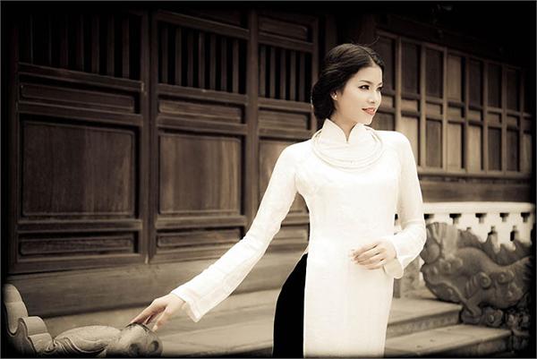 Đào lại những bộ ảnh thời trang thuở chân quê của 3 Giám khảo The Face Việt - Ảnh 22.