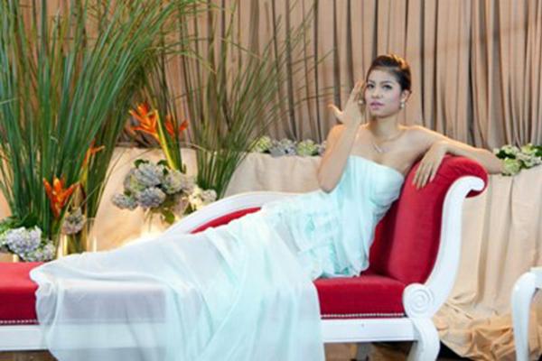 Đào lại những bộ ảnh thời trang thuở chân quê của 3 Giám khảo The Face Việt - Ảnh 17.