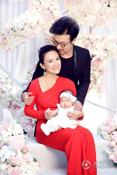 Chương Tử Di khoe ảnh Song Joong Ki bế bồng con gái rượu - Ảnh 3.