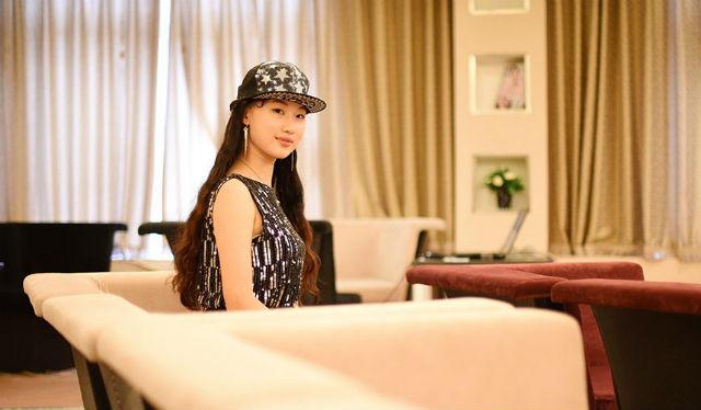 Fan cuồng 19 tuổi phẫu thuật thẩm mỹ để xinh đẹp như thần tiên tỷ tỷ Lưu Diệc Phi - Ảnh 2.