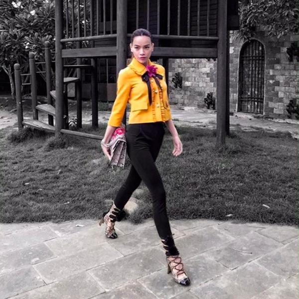 Phạm Hương giản dị, lọt thỏm giữa street style sang chảnh của Hà Hồ - Lan Khuê - Ảnh 2.