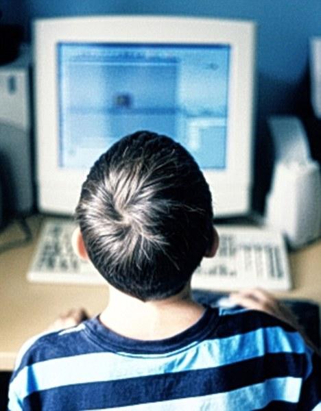 Người lớn có đang dùng Facebook nhiều hơn giới trẻ? 1