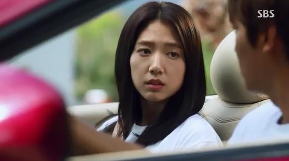 Park Shin Hye giật mình vì Lee Min Ho đột ngột cởi áo 5