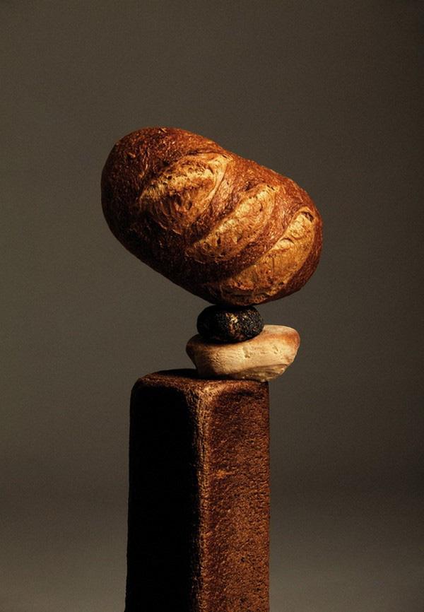 """Ứng dụng tâm trọng điểm: Bánh mì """"làm xiếc"""" thăng bằng 1"""