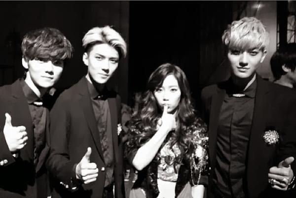 Fan EXO chửi bới Taeyeon và Tifffany (SNSD) 2