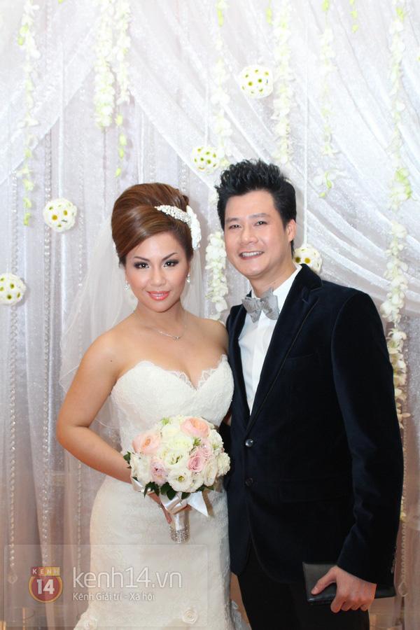"""Con gái Cẩm Ly hóa """"thiên thần rải hoa"""" trong đám cưới Minh Tuyết 13"""