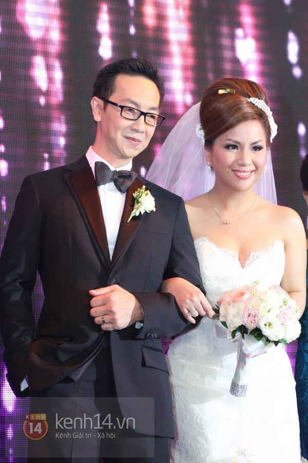 """Con gái Cẩm Ly hóa """"thiên thần rải hoa"""" trong đám cưới Minh Tuyết 22"""