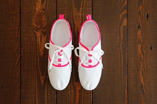 16 kiểu thay đổi cực hay để độ đôi giày sneaker chào hè khiến bạn thích m11ê