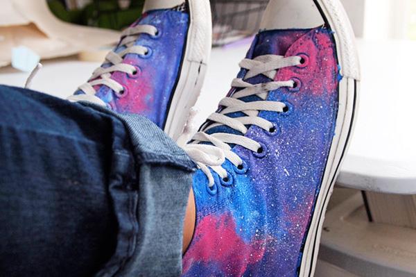16 kiểu thay đổi cực hay để độ đôi giày sneaker chào hè khiến bạn thích m2ê