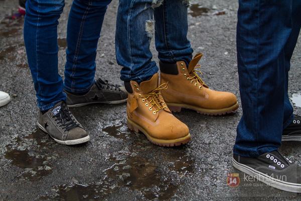 Hơn 1000 bạn trẻ yêu giày sneaker nữ tại hcm xếp hàng rồng rắn để tham gia festiva17l