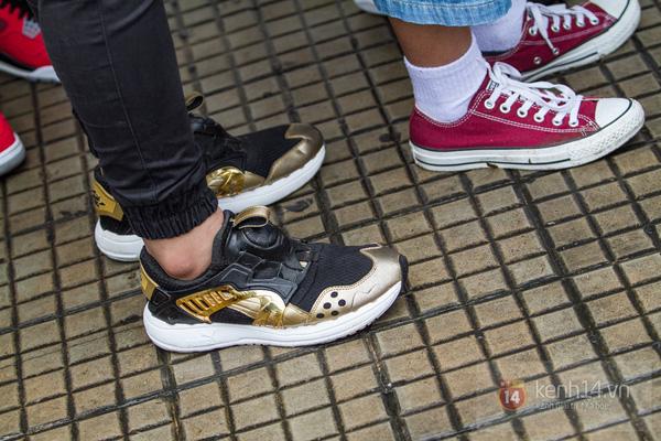Hơn 1000 bạn trẻ yêu giày sneaker nữ tại hcm xếp hàng rồng rắn để tham gia festiva21l