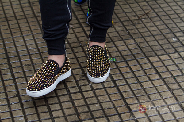 Hơn 1000 bạn trẻ yêu giày sneaker nữ tại hcm xếp hàng rồng rắn để tham gia festiva26l