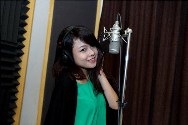Đào Bá Lộc, Thái Trinh hát mừng Giáng sinh cùng team Hà Hồ 8