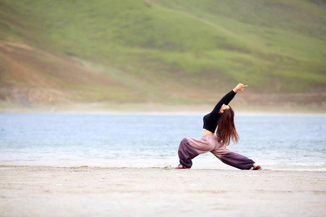 Tập Yoga tại tất cả mọi nơi mình đi qua - cô gái người Việt này đang truyền cảm hứng cho rất nhiều người! - Ảnh 9.