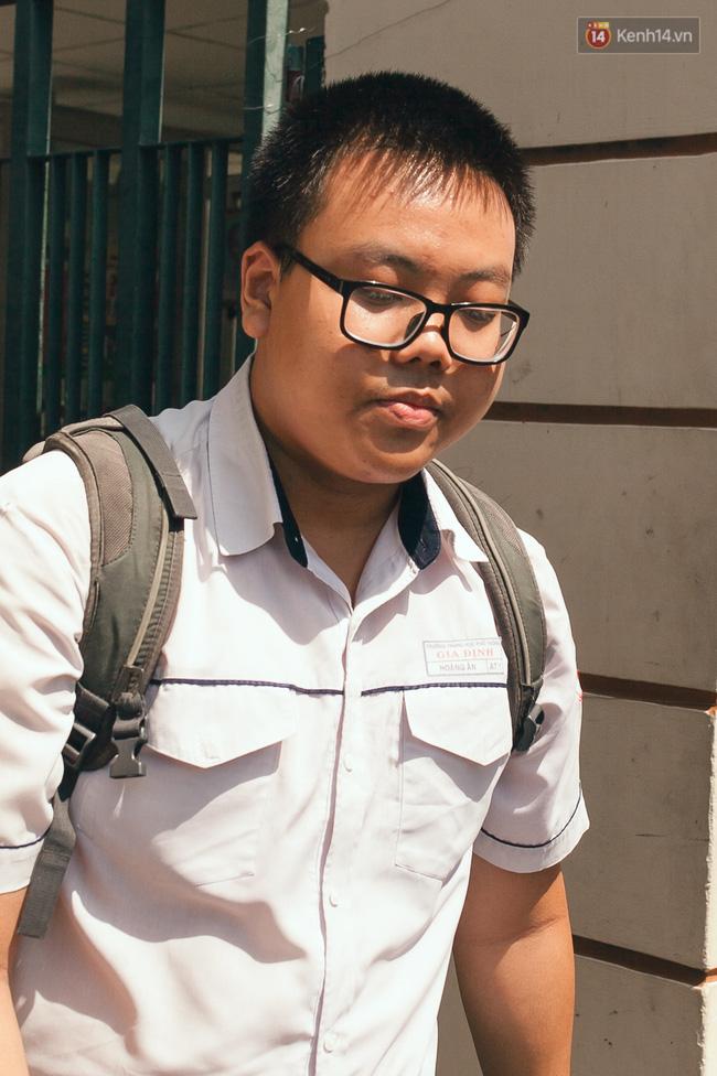 Kết thúc buổi thi Toán, thí sinh đánh giá đề năm nay khó - Ảnh 22.