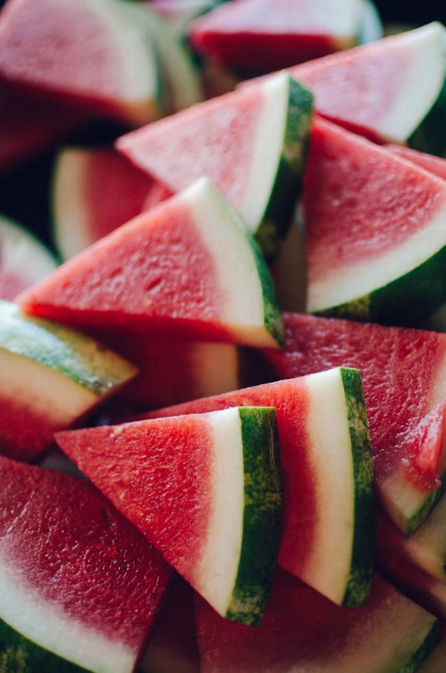 Những thực phẩm tuyệt đối không được để lâu trong tủ lạnh - Ảnh 3.