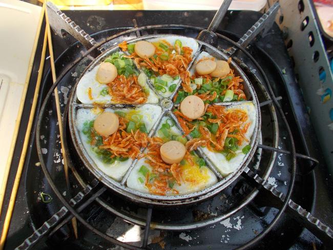 Món mới siêu hot ở Đà Nẵng: Trứng cút đút than với phô mai! - Ảnh 1.