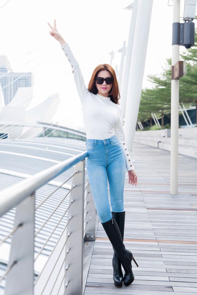 Không chỉ diễn trên sân khấu, Ngọc Trinh còn thực hiện MV cho ca khúc đầu tay của mình! - Ảnh 4.