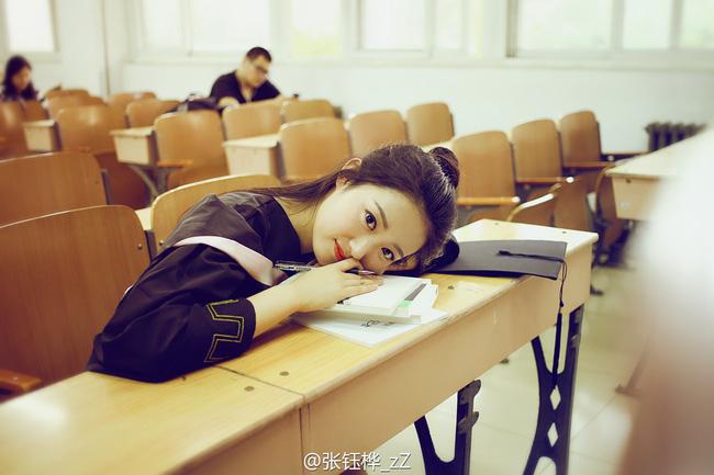 Loạt ảnh những nữ thần giảng đường Trung Quốc xinh như mơ trong ngày tốt nghiệp - Ảnh 12.