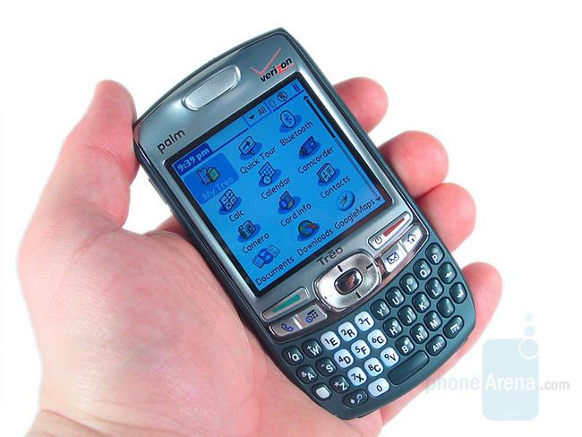Điểm danh 7 đối thủ lớn nhất của... iPhone đời đầu - Ảnh 6.