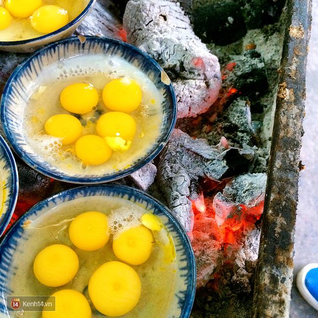 Món mới siêu hot ở Đà Nẵng: Trứng cút đút than với phô mai! - Ảnh 4.