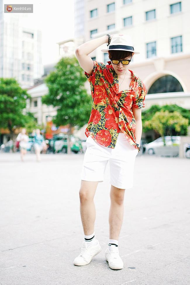 Street style giới trẻ 2 miền tuần qua: áo phông, shorts, kẻ & hoa lá rực rỡ tràn ngập - Ảnh 18.