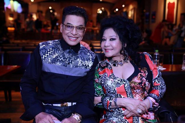 Lộ clip đám cưới bí mật long trọng của MC Thanh Bạch và nữ đại gia - Ảnh 2.