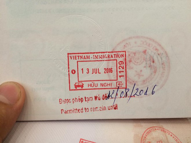 Nhà nghỉ từ chối khách Trung Quốc vì hộ chiếu in lưỡi bò