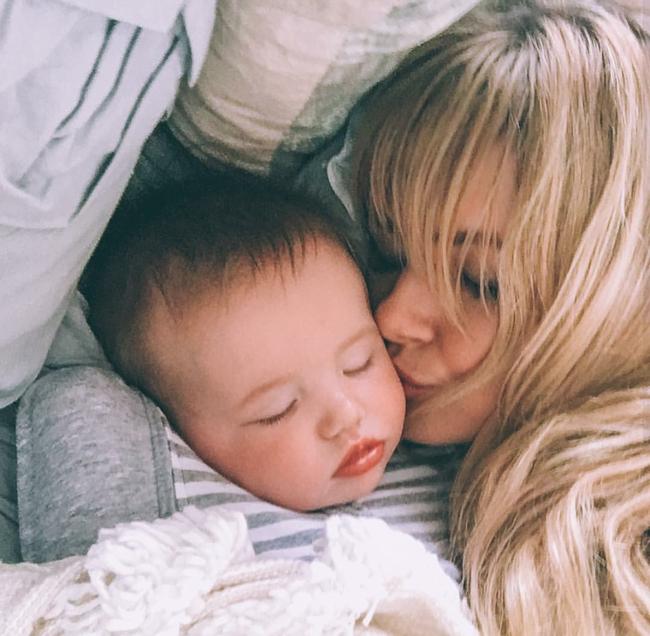 4 gia đình nhỏ xinh trên Instagram này sẽ khiến bạn muốn lập gia đình ngay lập tức! - Ảnh 10.