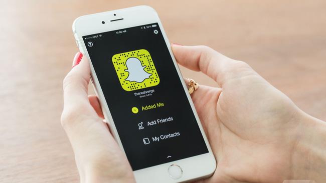 Tính năng mới của Snapchat sẽ khiến nhiều người đã nghiện nay còn nghiện hơn - Ảnh 1.