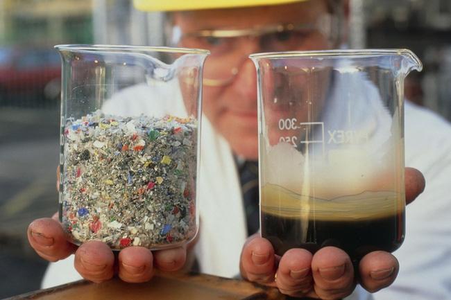 Biến nhựa thành xăng - bước ngoặt lớn của nhân loại đã xuất hiện - Ảnh 1.