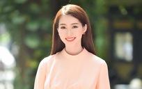 Đi chấm thi HHVN 2016, Thu Thảo lại khiến người hâm mộ ngẩn ngơ vì vẻ đẹp ngọt ngào