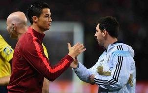 Sự thật câu chuyện Ronaldo đau lòng khi thấy Messi chia tay ĐT Argentina