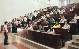 Gần 900.000 thí sinh làm thủ tục chính thức bước vào kỳ thi THPT Quốc gia