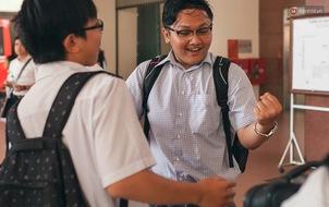 Thí sinh hoàn tất môn Ngoại ngữ, kết thúc ngày thi THPT Quốc gia đầu tiên