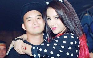 """Clip: Diệp Lâm Anh """"khóa môi"""" nồng cháy với bạn trai tại Hàn Quốc"""