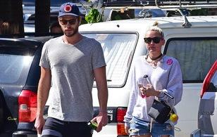 Miley Cyrus - Liam Hemsworth sẽ làm đám cưới trên biển ngay trong hè này?
