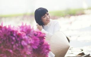 Phương Thanh diện áo dài trắng nền nã trong MV mới