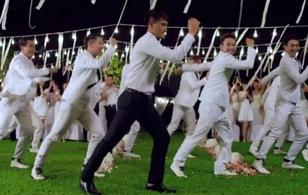 Công Vinh, U19 Việt Nam từng hóa vũ công, ca sĩ trong clip ca nhạc