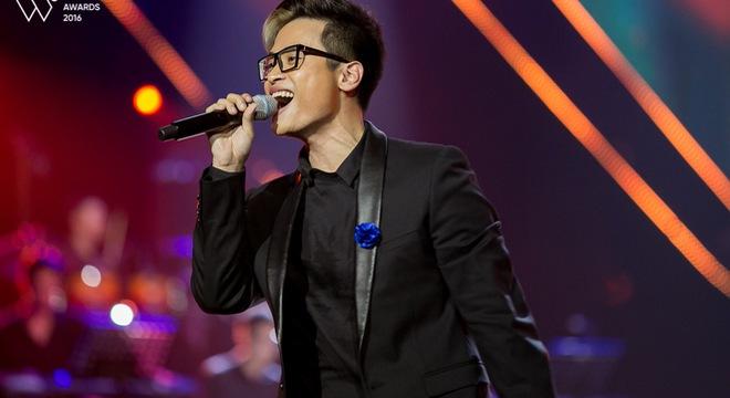 """Liên khúc 5 hit Vpop của Hà Anh Tuấn tại """"Gala WeChoice Awards"""" thuộc top hot nhất Việt Nam"""